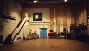 l_9_-_bio_-_inside_the_abbey_road_studio_2_