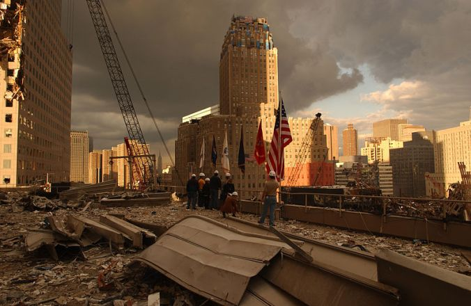 800px-FEMA_-_5399_-_Photograph_by_Andrea_Booher_taken_on_09-28-2001_in_New_York.jpg